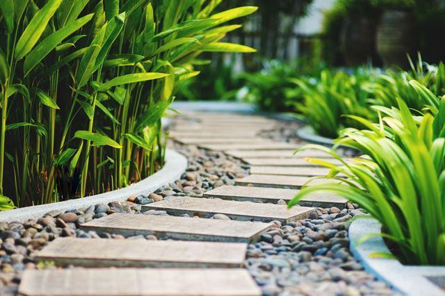 Tuinontwerp aanleg onderhoud kunstgras betonklinkers en afsluitingen de groenbroeders 13