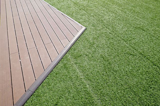 Tuinontwerp aanleg onderhoud kunstgras betonklinkers en afsluitingen de groenbroeders 17