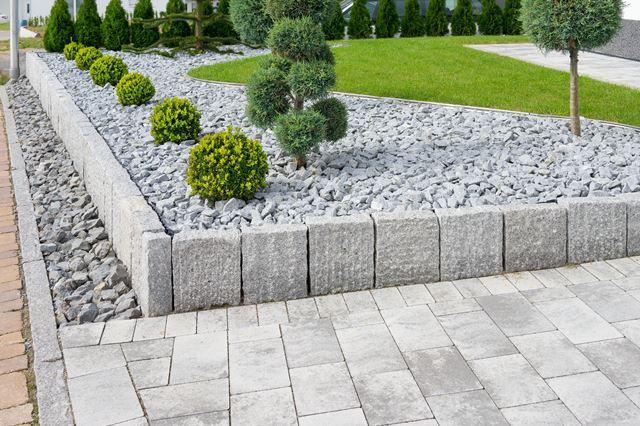 Tuinontwerp aanleg onderhoud kunstgras betonklinkers en afsluitingen de groenbroeders 28